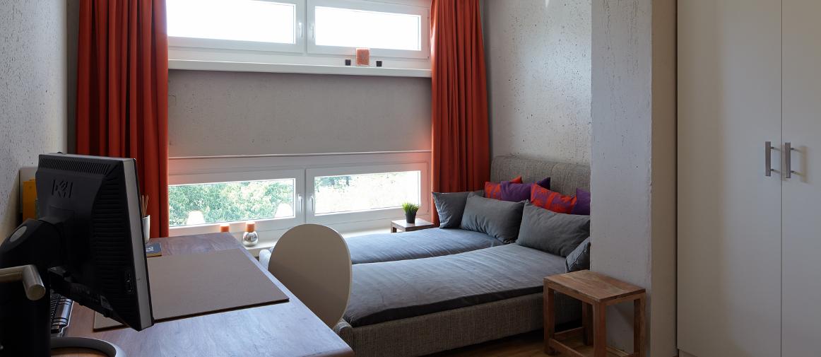 zwei zimmer apartment. Black Bedroom Furniture Sets. Home Design Ideas